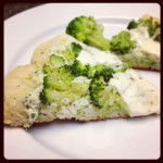 Broccoli and Pesto Ricotta Grilled Pizza #SundaySupper With @KatieWorkman100
