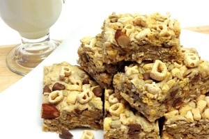 Homemade Super Nutty #alphabits Cereal Bars