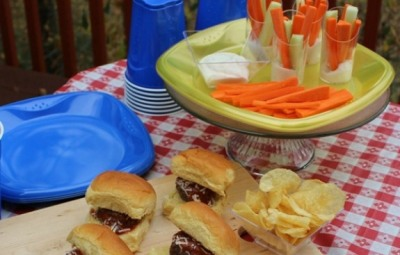 Mozzarella-Stuffed-Meatball-Sliders-www.InTheKitchenWithKP-Tailgate-Recipe-slider