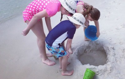 Ways to Save Money On a Beach Vacation www.InTheKitchenWithKP slider