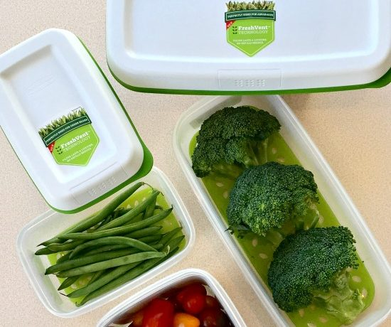 Keep Your Produce Fresher with Rubbermaid FreshWorks Containers | In The Kitchen With KP | Kitchen Tips| Healthy Eating | Green Living